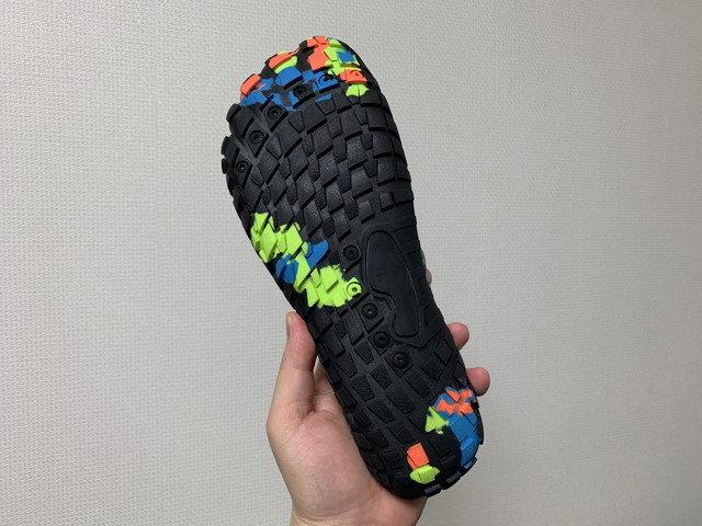 scieu_aqua_shoes_06.jpg